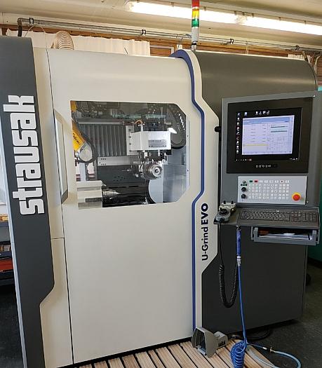 Strausak - CNC Schleifmaschine